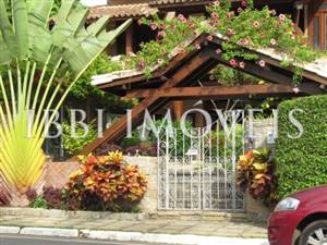 Eccellente casa con 4 camere e 4 suite in Piata