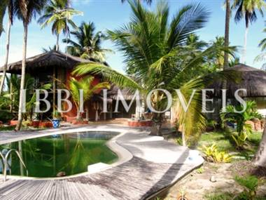 Beautiful House with 58m of beach located close to Ilheus