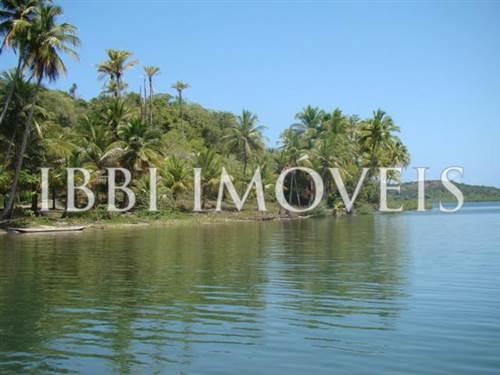 Ilha Próxima À Península De Camamu