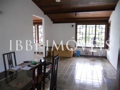 Casa com 4 quartos 2 suítes em Lauro de Freitas