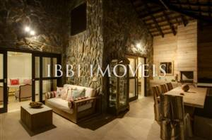 Furnished luxury home in Exclusive Resort