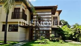 Hermosa Villa con 4 apartamentos