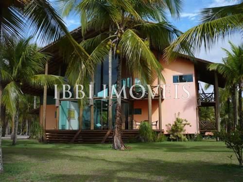 Luxury Home in Paradise Island