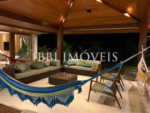 New House In Luxury Condominium