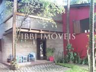 Charmosa Casa Localizada No Centro Da Vila