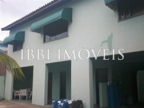 Casa con 5 camere a Ipitanga