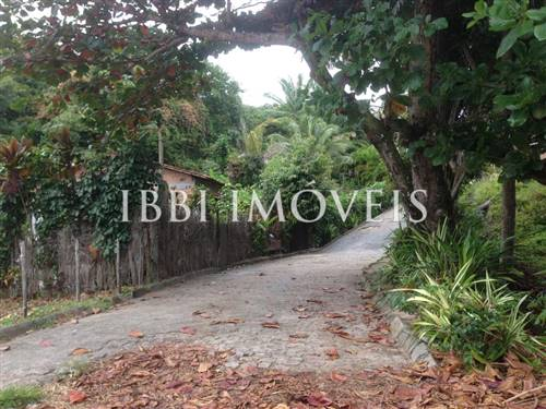 Ample Plot Near Gamboa Beach
